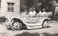 Grinnell Savings Bank Parade Car