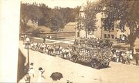 Circus parade, Grinnell, Iowa