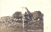 Train wreck, July 22, 1907, with railroad crane, Belle Plaine, Iowa