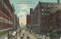 Locust Street looking east from Sixth Avenue, Des Moines, Iowa