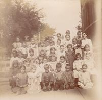 Parker School, Grinnell, Grade One, 1900