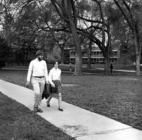Alan E. Shackelford '71 and Elizabeth E. Landau '71 on central campus