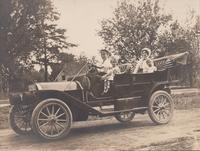 Brock Family in their 1910 Spaulding Automobile