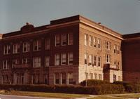 Corner view of Grinnell Junior High School