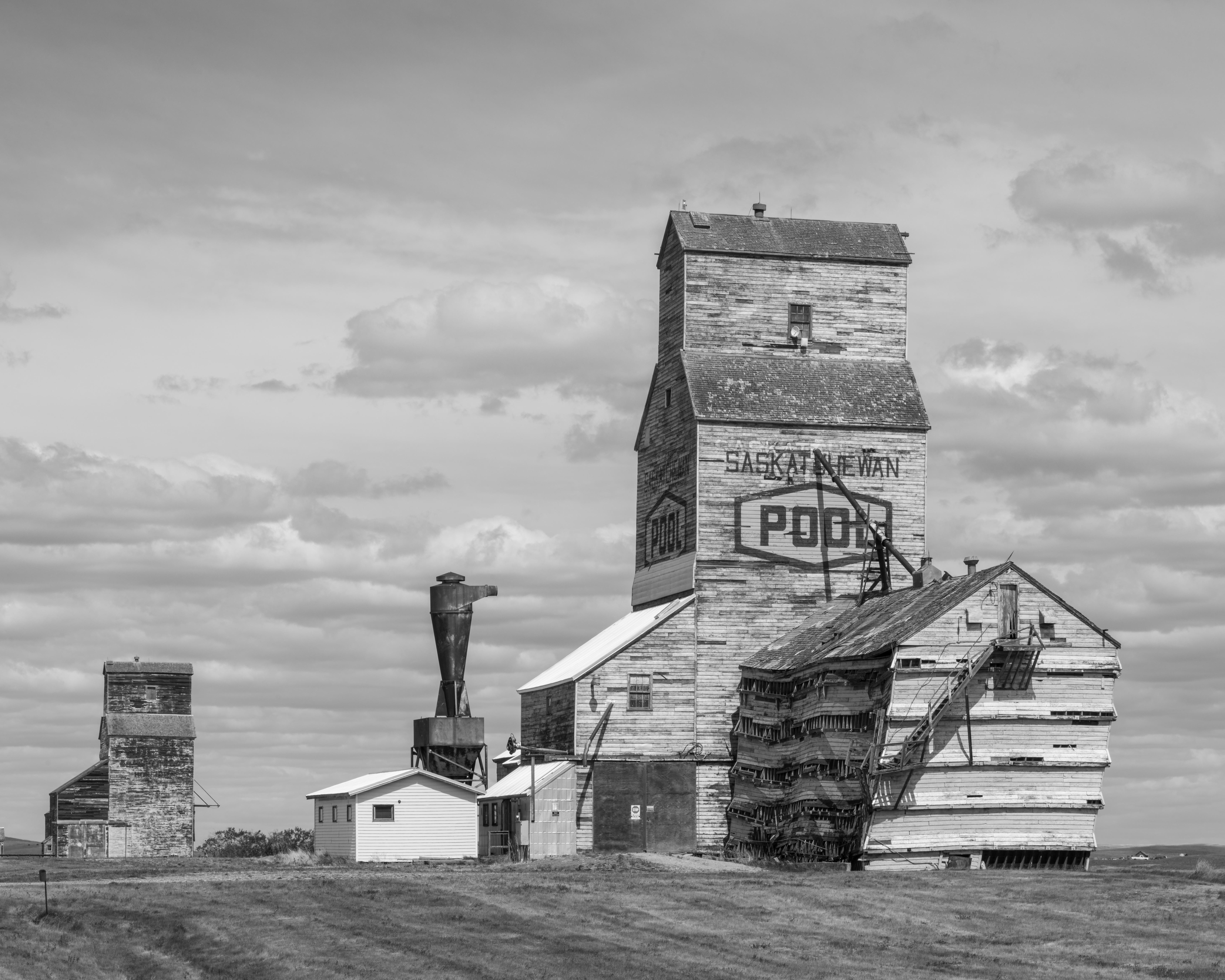 Crumbling grain elevators, Saskatchewan